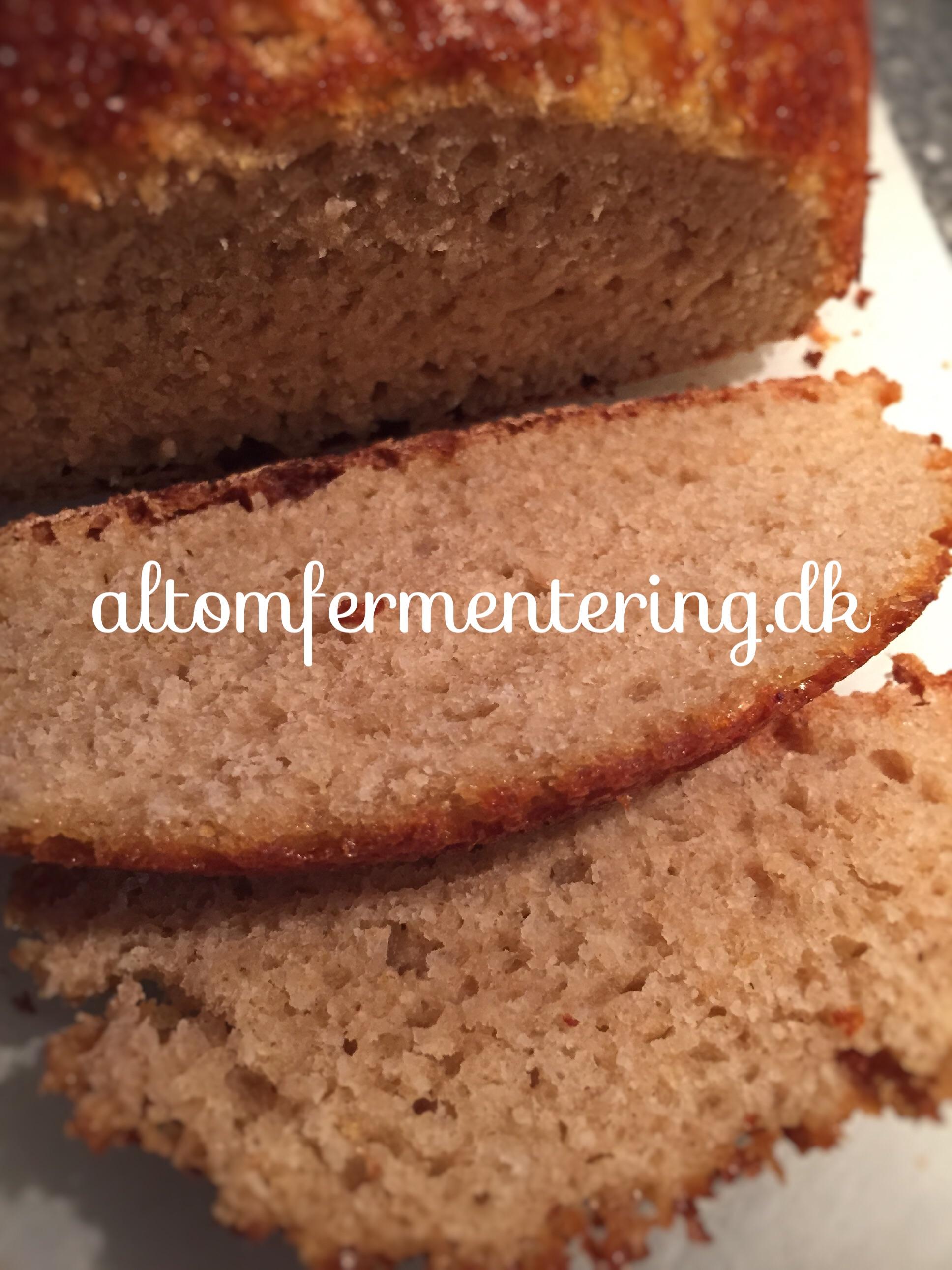 Vandkefir Surdej Smør Brød